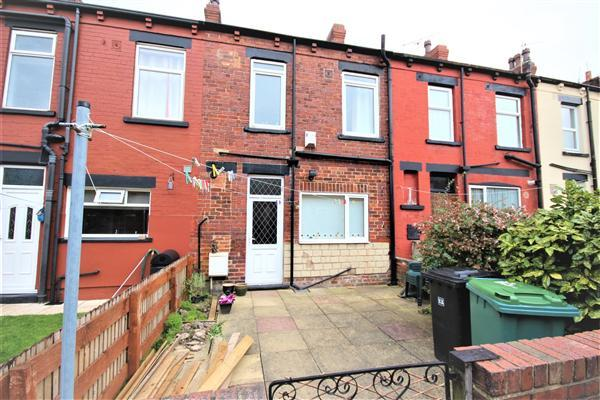 3 Bedrooms Terraced House for sale in Barkly Terrace, Leeds