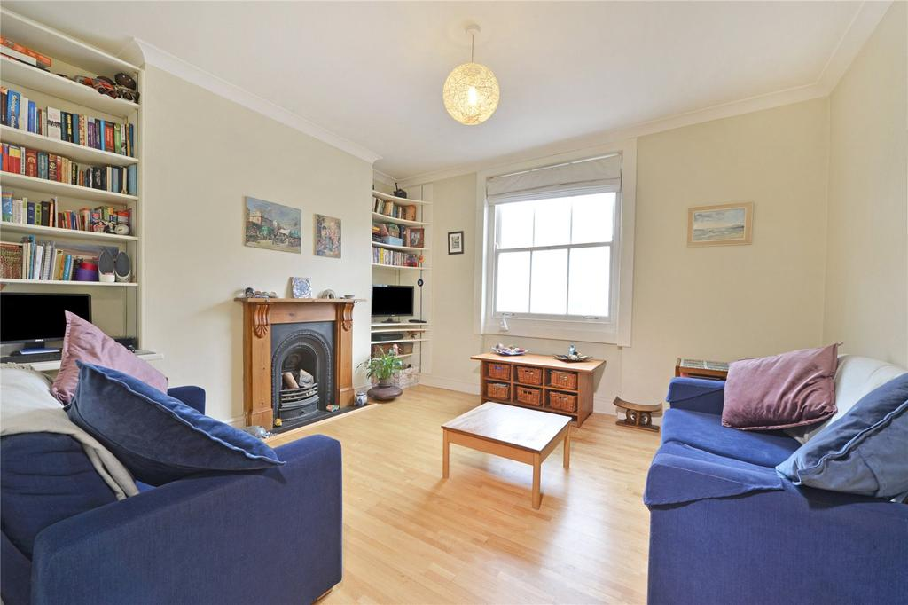 3 Bedrooms Flat for sale in Balls Pond Road, Hackney, London