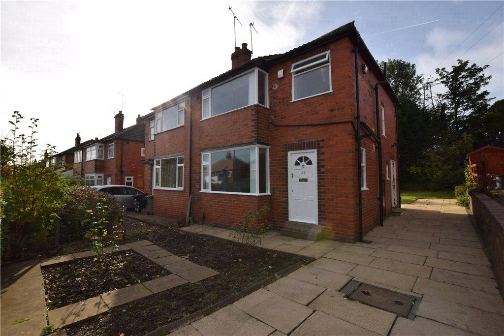 3 Bedrooms Semi Detached House for sale in Gotts Park Avenue, Leeds, West Yorkshire