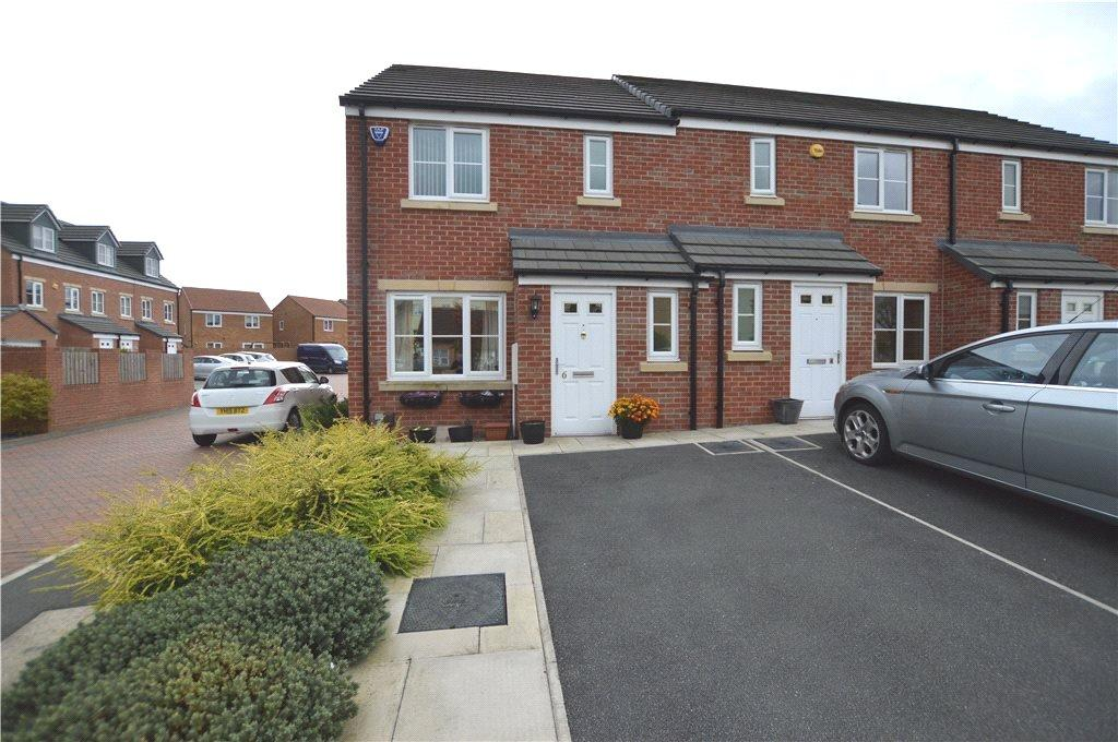 3 Bedrooms Terraced House for sale in Pennwell Garth, Leeds, West Yorkshire