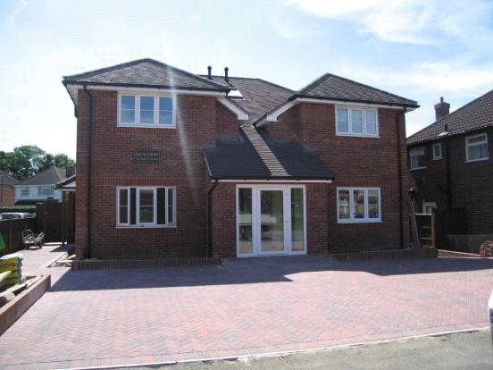 1 Bedroom Maisonette Flat for sale in Jills Court, 14 Percy Road, Guildford, Surrey, GU2