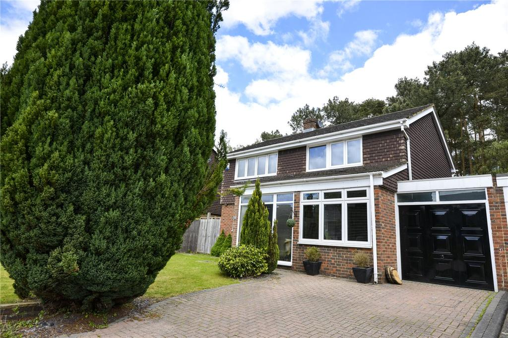 4 Bedrooms House for sale in Heathpark Drive, Windlesham, Surrey