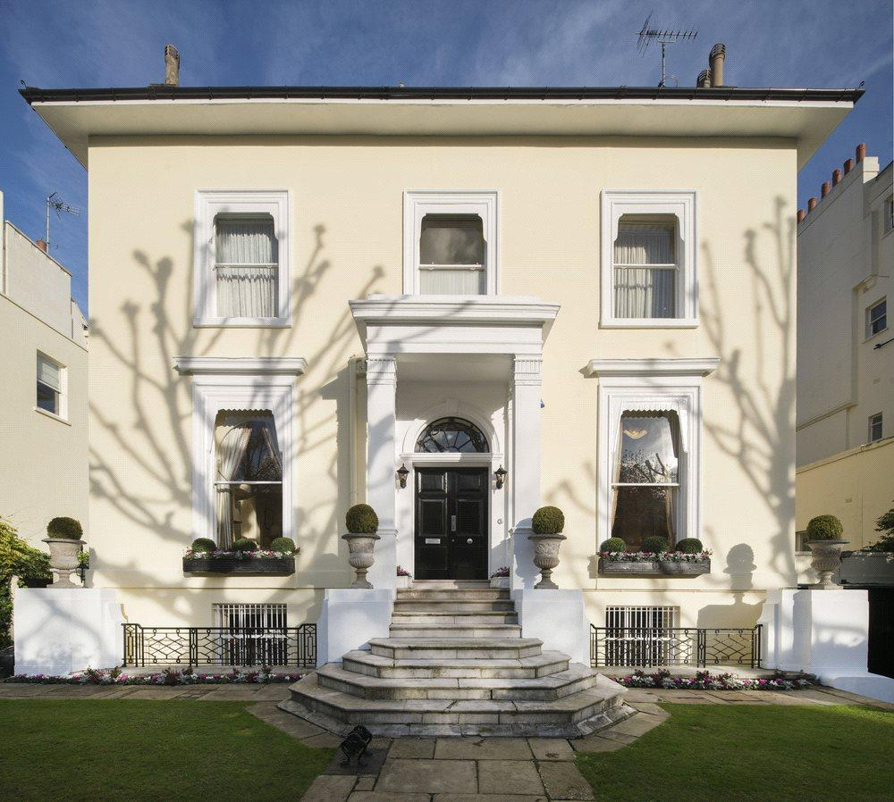 4 Bedrooms Terraced House for sale in Hamilton Terrace, St John's Wood, London, NW8