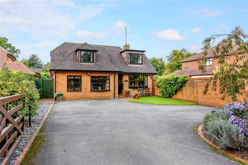 4 Bedrooms Detached House for sale in Lightlands Lane, Cookham, Maidenhead, Berkshire, SL6