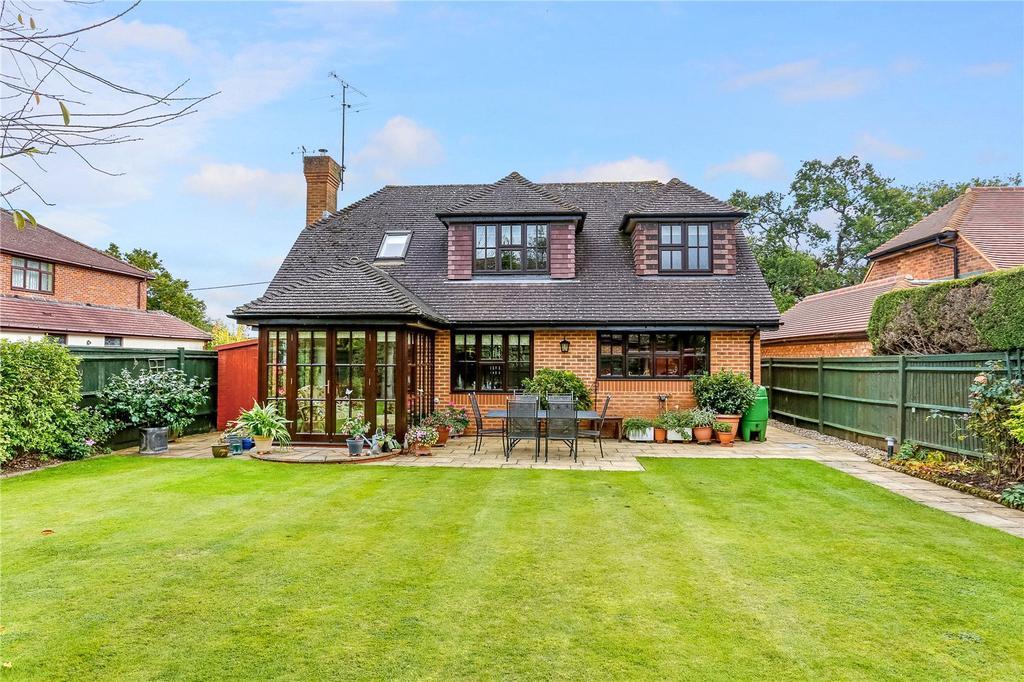 4 Bedrooms Detached House for sale in Lightlands Lane, Cookham, Maidenhead, Berkshire, SL6