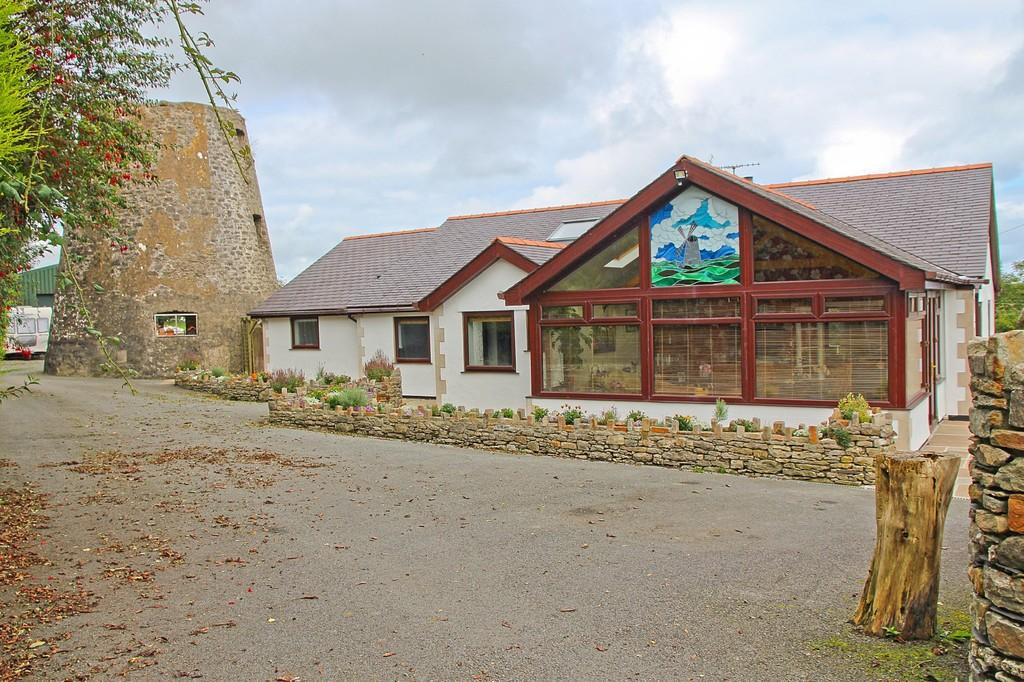 4 Bedrooms Detached Bungalow for sale in Anneddfa, Brynteg, North Wales