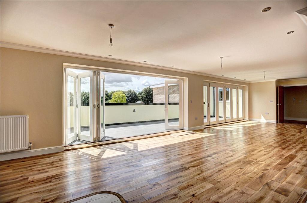 2 Bedrooms Apartment Flat for sale in St. Marys Court, Ely, Cambridgeshire, CB7