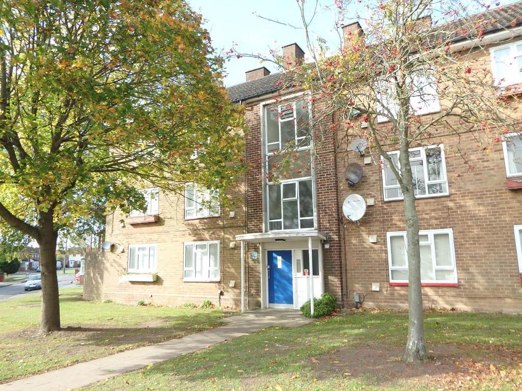 2 Bedrooms Flat for rent in Bournebrook Crescent, , Halesowen