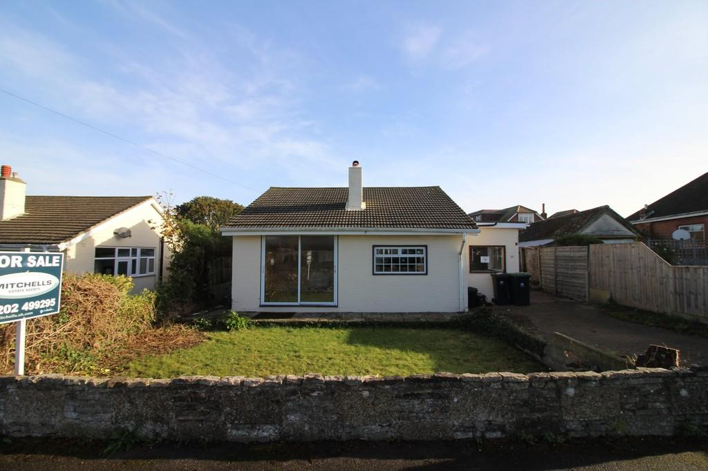 2 Bedrooms Detached Bungalow for sale in MUDEFORD