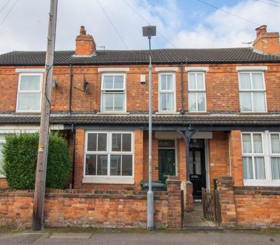 2 Bedrooms Terraced House for sale in Curzon Avenue, Carlton, Nottingham, NG4 1GN