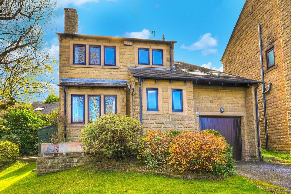 4 Bedrooms Detached House for sale in 16 Robin Hood Chase, Stannington, Sheffield S6