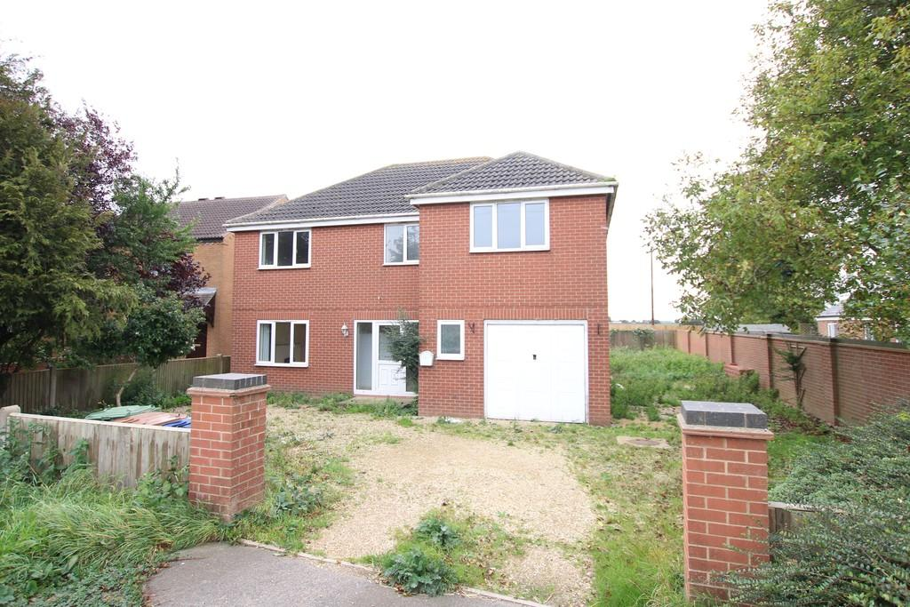 4 Bedrooms Detached House for sale in March Road, Whittlesey
