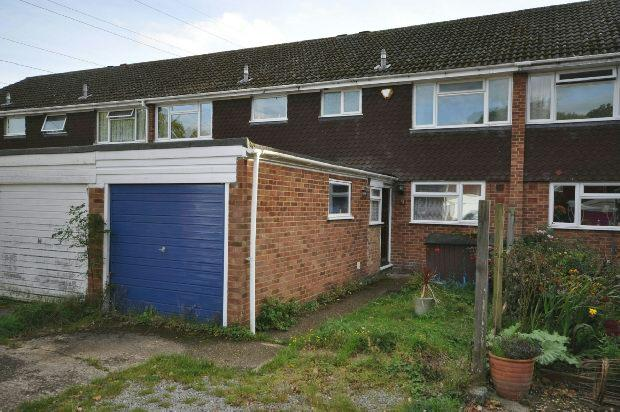 3 Bedrooms Terraced House for sale in Plymouth Avenue, Woodley, Reading,