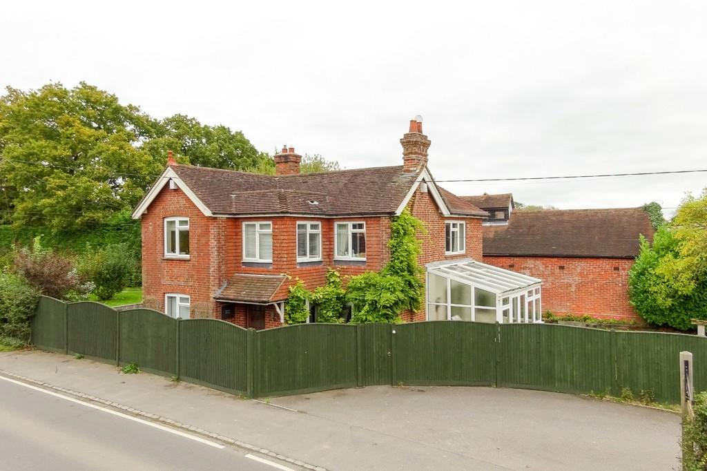 4 Bedrooms Detached House for sale in Horam, Heathfield