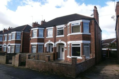 3 bedroom semi-detached house for sale - Pickering Road, Hull