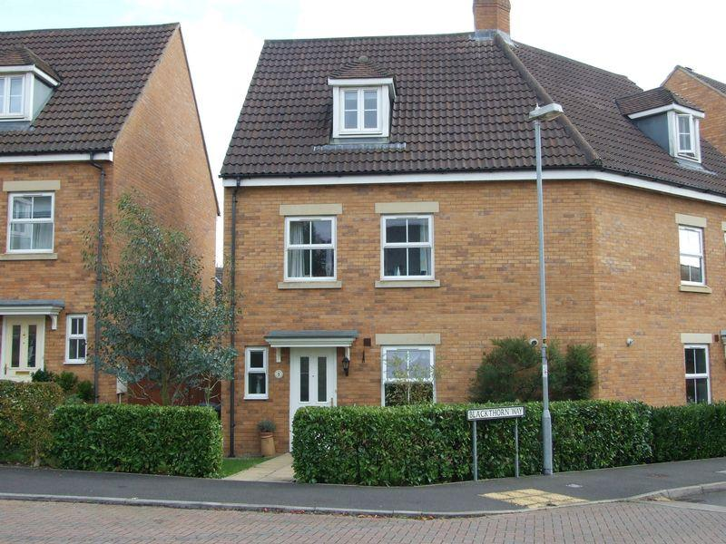 3 Bedrooms Semi Detached House for sale in Staverton
