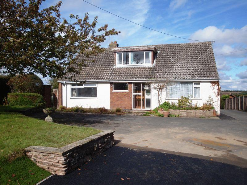 2 Bedrooms Detached House for sale in Rock Cross, Rock DY14 9RX