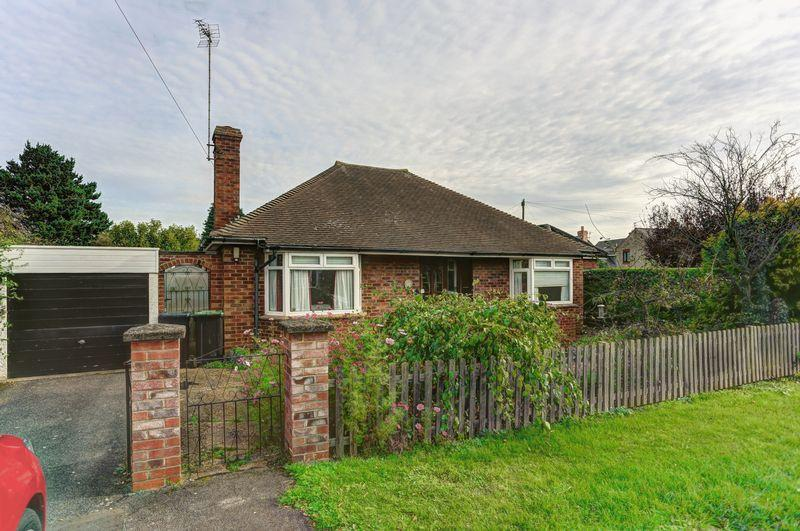 2 Bedrooms Detached Bungalow for sale in Hills Lane, Ely