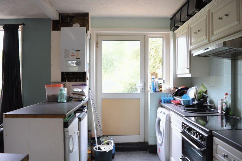2 Bedrooms Terraced House for sale in Playfield Road, Edgware