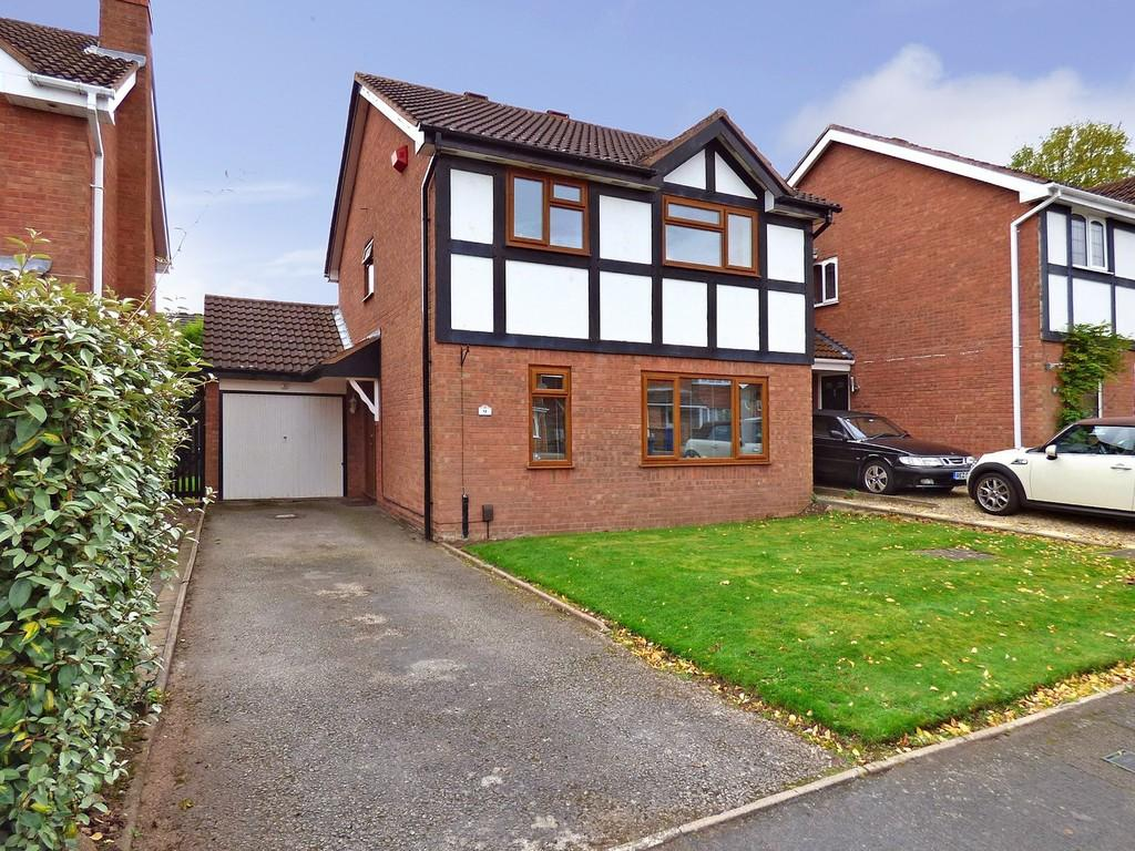 4 Bedrooms Detached House for sale in Ascot Close, Lichfield