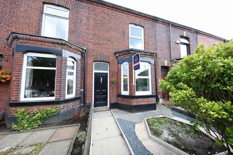 2 Bedrooms Terraced House for sale in Rochdale Road East, Heywood