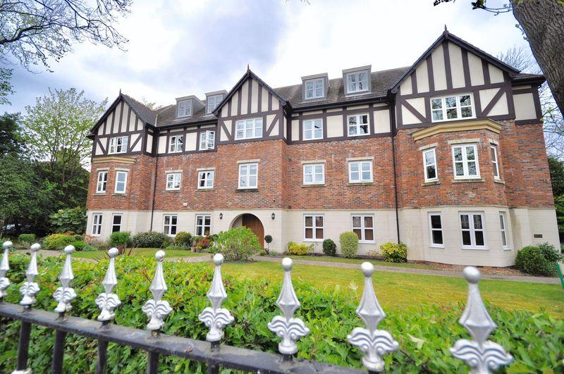 2 Bedrooms Apartment Flat for sale in Manchester Road, Heywood