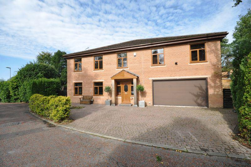 6 Bedrooms Detached House for sale in Bowling Green Way, Bamford, Rochdale