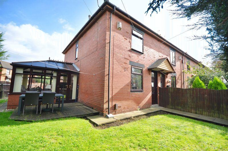 3 Bedrooms End Of Terrace House for sale in Abbey Crescent, Heywood