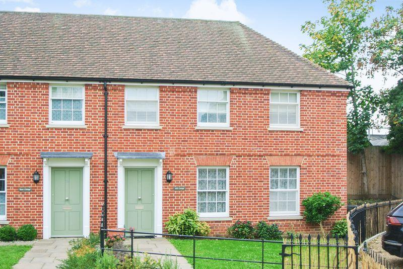 2 Bedrooms Semi Detached House for sale in Barton Mill Road, Canterbury