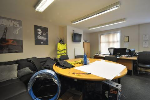 Property to rent - Bury Road, Rochdale