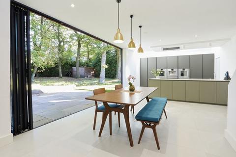 5 bedroom detached house for sale - Ashenden Walk, Farnham Common, Buckinghamshire SL2