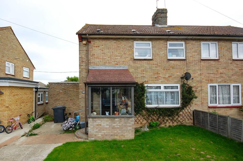 3 Bedrooms Semi Detached House for sale in St. Annes Drive, Herne Bay