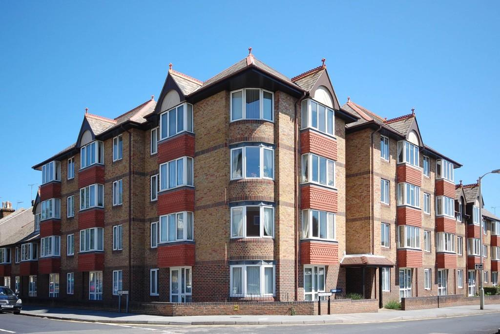 1 Bedroom Retirement Property for sale in Kings Road, Herne Bay