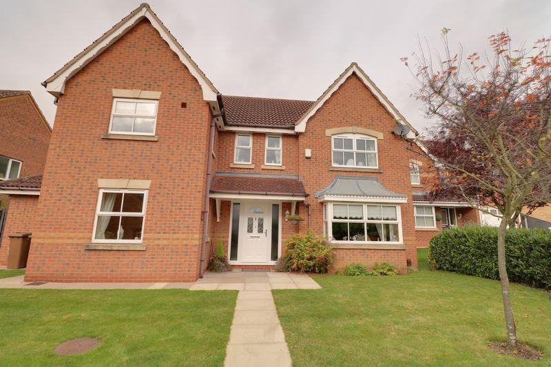 4 Bedrooms Detached House for sale in Robin Close, Scunthorpe