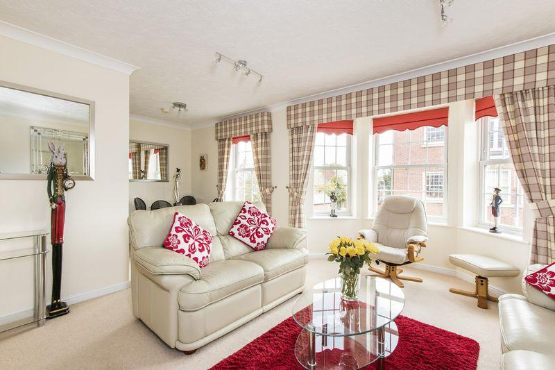 2 Bedrooms Apartment Flat for sale in Marsh Lane, Stratford-Upon-Avon
