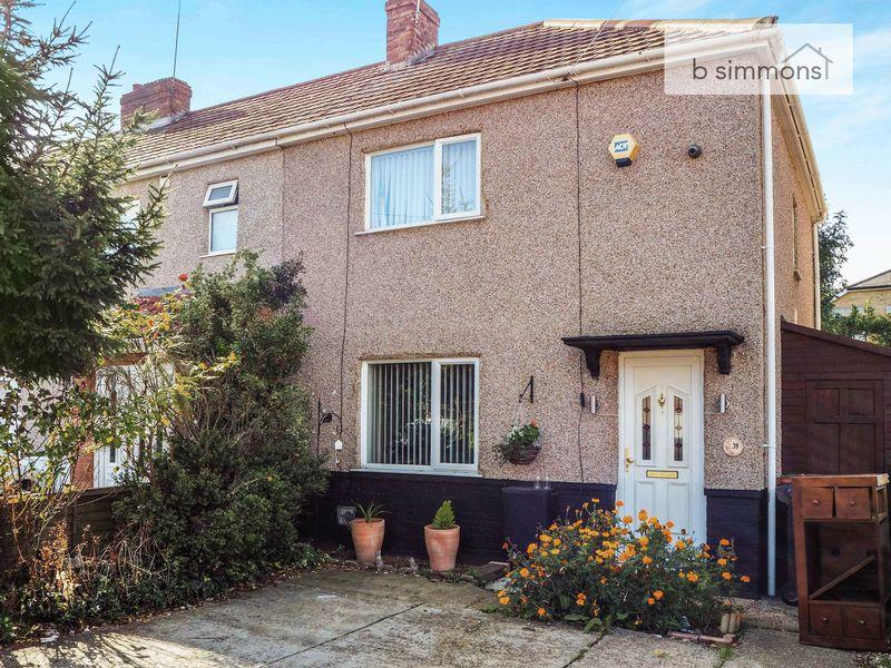 3 Bedrooms Terraced House for sale in Mead Avenue, Langley