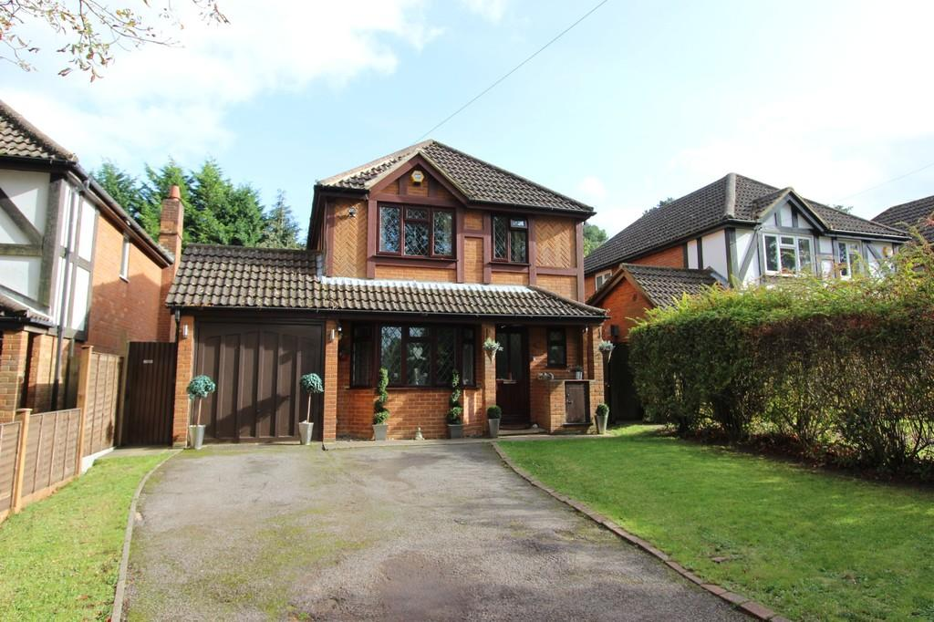 4 Bedrooms Detached House for sale in Rickman Hill, Coulsdon