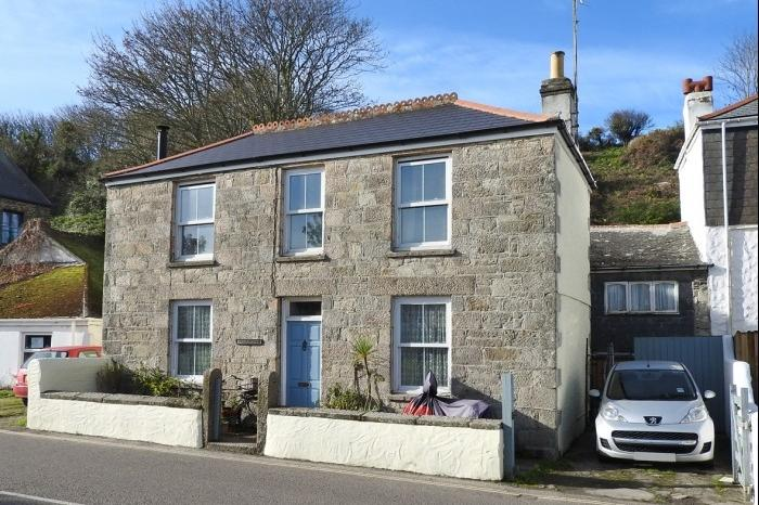 3 Bedrooms Cottage House for sale in WELLMORE HOUSE, WELLMORE, PORTHLEVEN, TR13