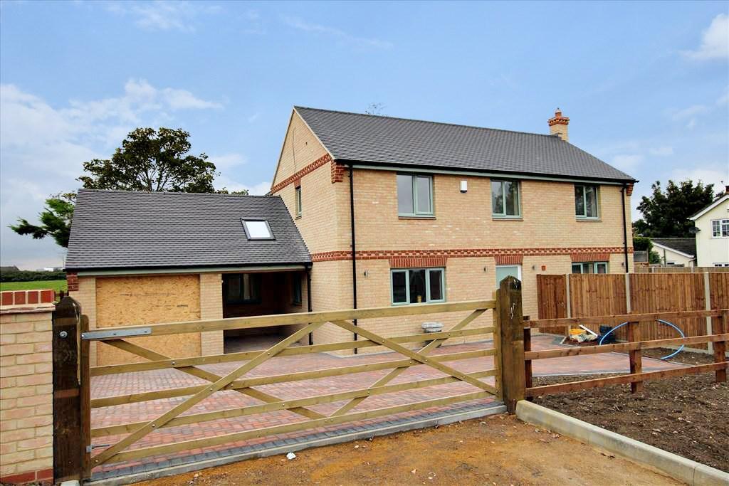 4 Bedrooms Detached House for sale in Station Road, STEEPLE MORDEN, SG8