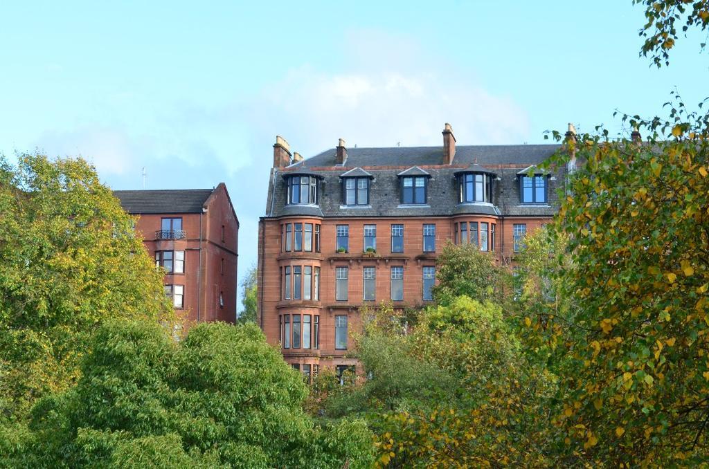 3 Bedrooms Flat for sale in Garrioch Road, Flat 4/1, North Kelvinside, Glasgow, G20 8QZ