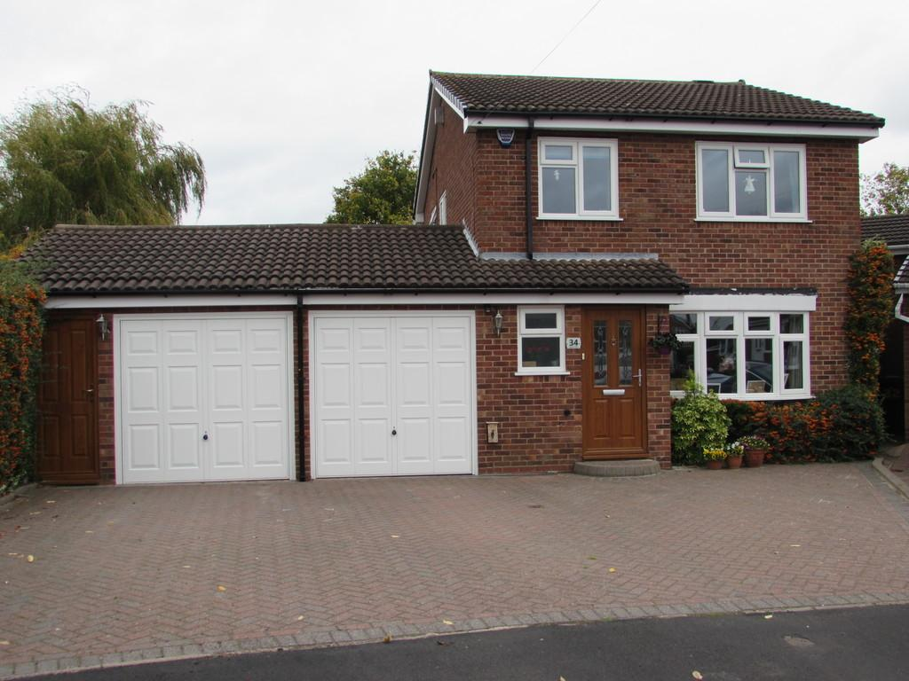 3 Bedrooms Detached House for sale in Coppice Road, Solihull