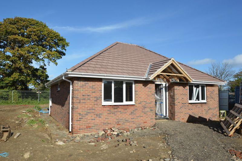 3 Bedrooms Detached Bungalow for sale in FRESHWATER