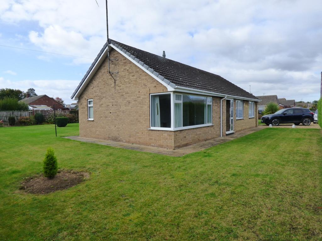 3 Bedrooms Detached Bungalow for sale in Southgate, Pinchbeck