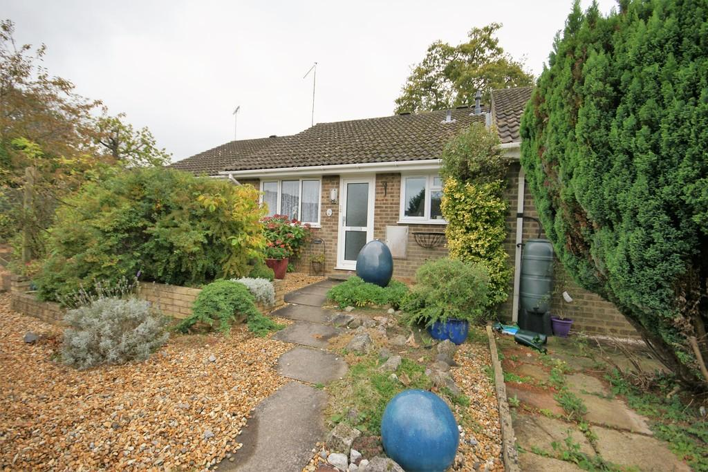 2 Bedrooms Terraced Bungalow for sale in Lavender Gardens, BORDON, Hampshire
