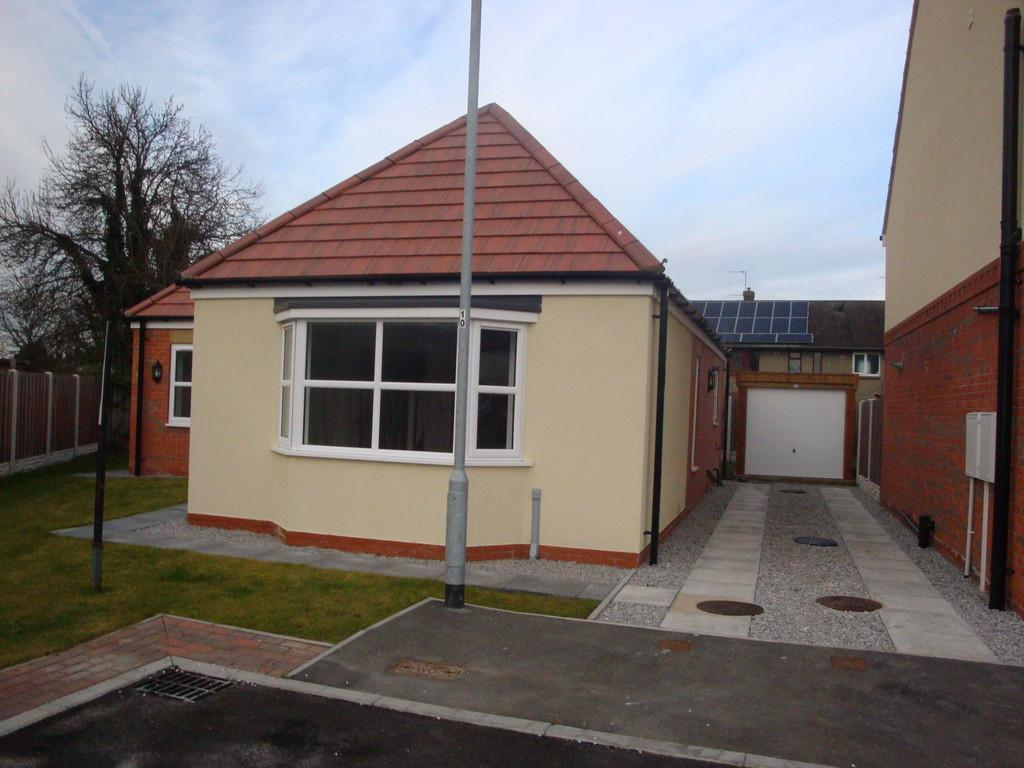 3 Bedrooms Detached Bungalow for sale in Hilda Street, Goole, East Yorkshire