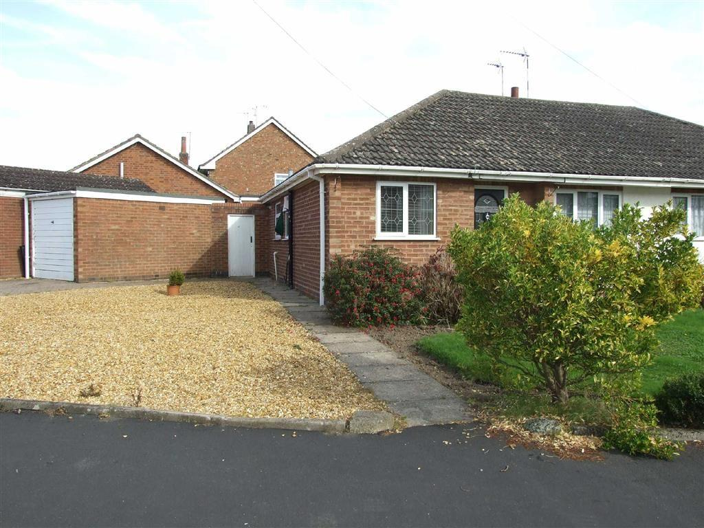 2 Bedrooms Detached Bungalow for sale in Dingley Road, Bulkington