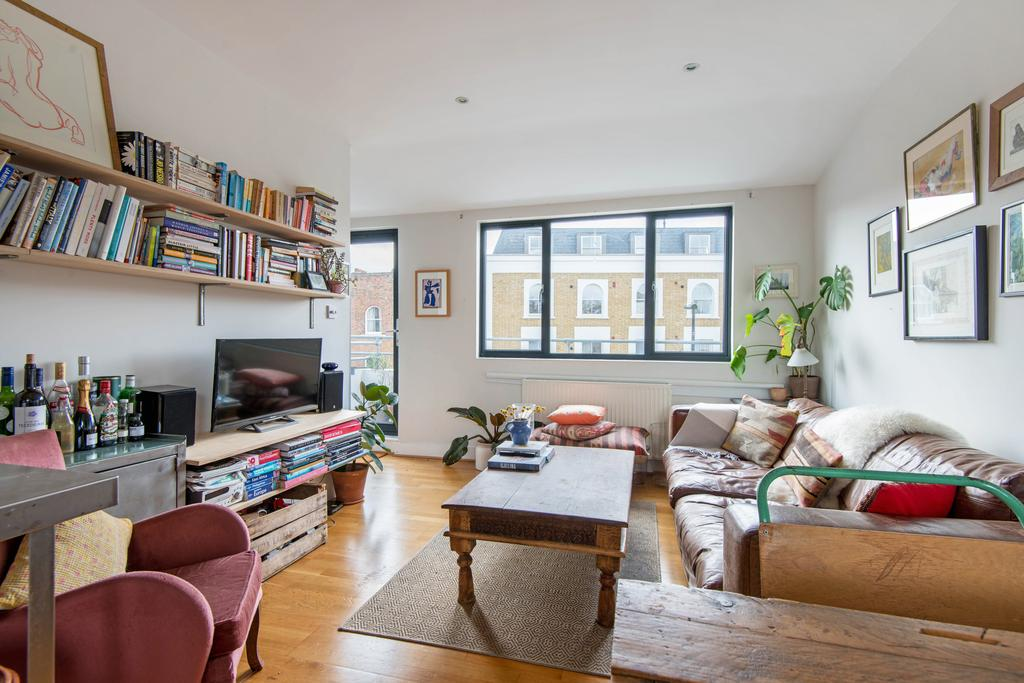 2 Bedrooms Apartment Flat for sale in Well Street, Hackney, London E9