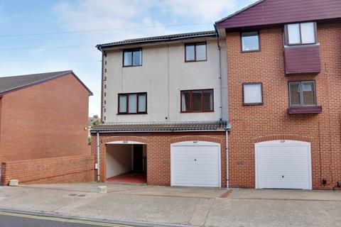 2 bedroom townhouse for sale - Haslemere Road, Southsea