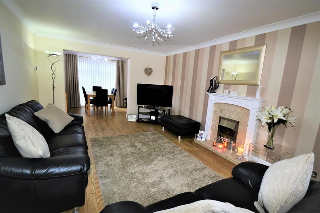 3 Bedrooms Semi Detached House for sale in Mayfields, Spennymoor