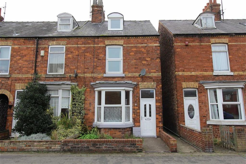 3 Bedrooms End Of Terrace House for sale in St Johns Walk, Bridlington, YO16